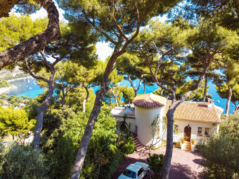 For sale villa Eze Bord de Mer