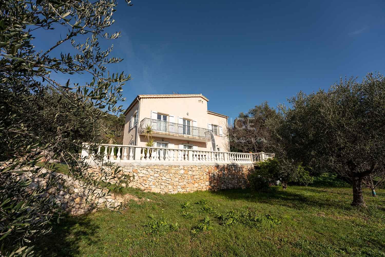For sale villa Saint-Michel in Villefranche-sur-Mer